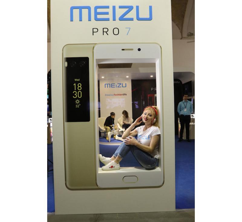 """Изготовление бренд-зоны под ключ для """"MEIZU"""""""