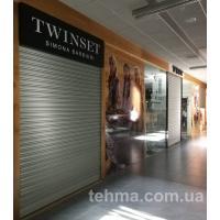 Оформление витрины для Twin-Set в галерее Сады Победы