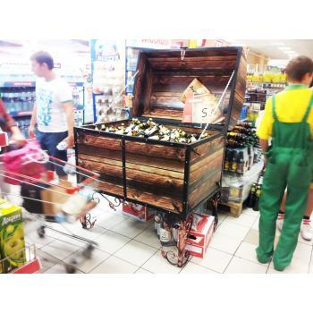 Место продаж Черниговское сундук в Одессеисполнено в виде двух ярусной тумбы для выкладк..